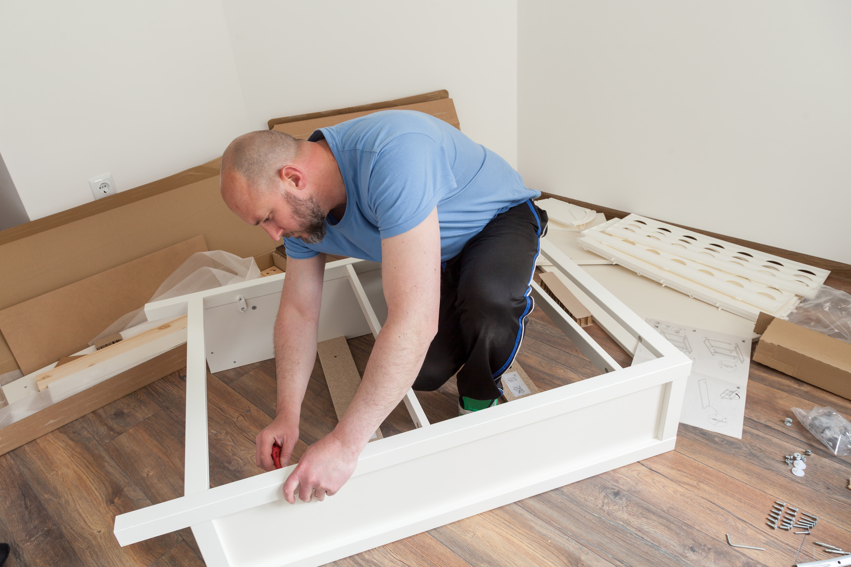 How to Disassemble Furniture The Easy Way Before Moving House